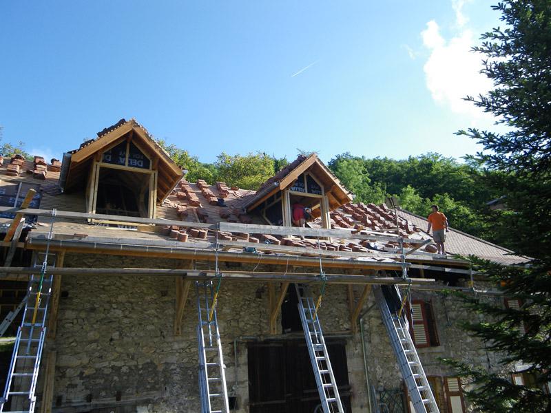Travaux toiture is re grenoble voiron et r novation toit for Travaux et renovation